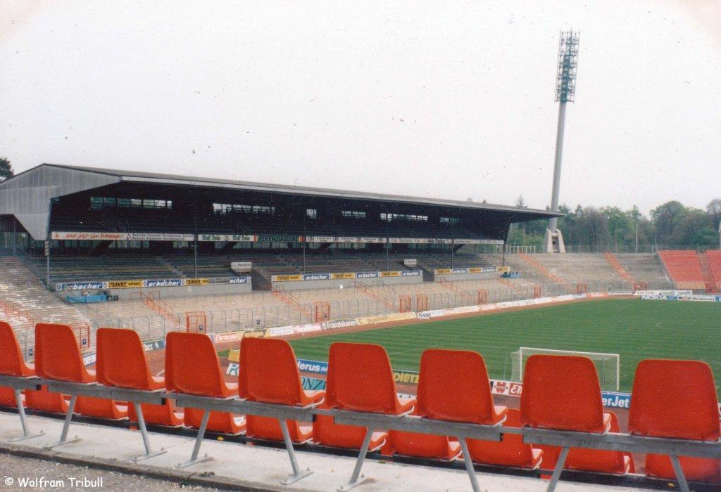 Wildparkstadion Karlsruhe aufgenommen am 26.08.1995